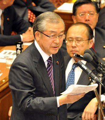 麻生首相に質問する佐々木憲昭議員